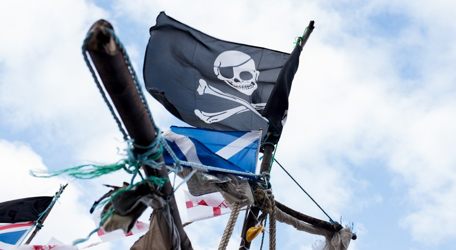 black-pearl-pirate-flag-new-brighton