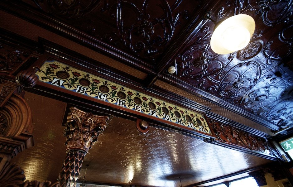 The Crown Saloon, Belfast