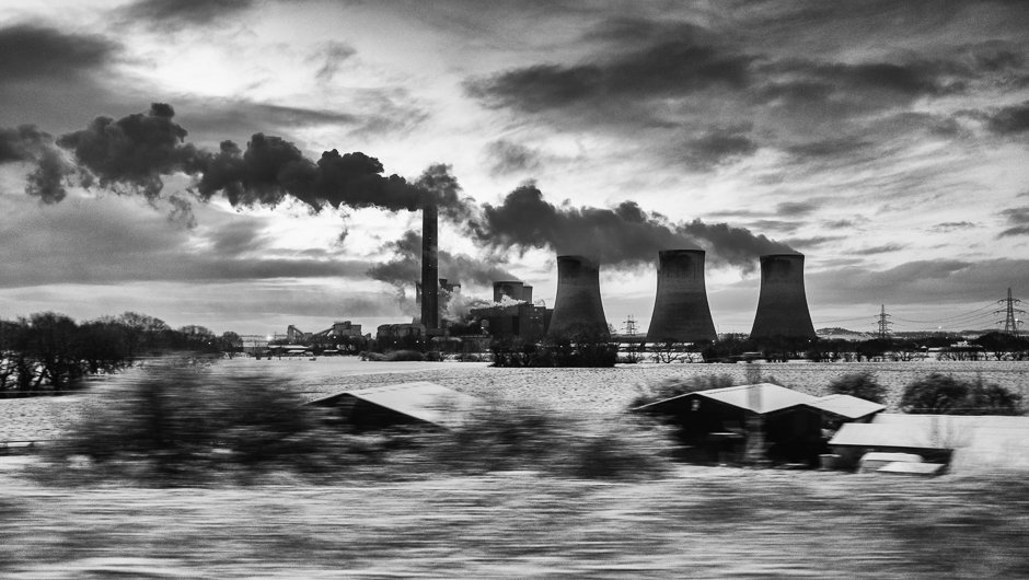 Black and white image of Fiddlers Ferry Power Station, Cuerdley, Cheshire